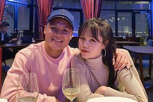 'Chiêu' nịnh bạn gái của Quang Hải: Từ quà trăm triệu đến câu 'vợ' ngọt ngào