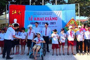 Quảng Bình: Hàng trăm suất học bổng đến với học sinh nghèo Lệ Thủy