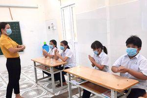 Hỗ trợ học sinh có hoàn cảnh đặc biệt tại Hà Nội: Nâng bước cho em đến trường