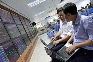 VN-Index tăng nhẹ 2 điểm, khối ngoại 'xả hàng' mạnh