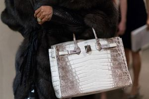 Gia tộc đứng sau đế chế thời trang Hermès