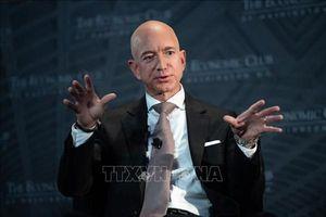 Jeff Bezos dẫn đầu danh sách 'giới nhà giàu' của Forbes năm thứ ba liên tiếp