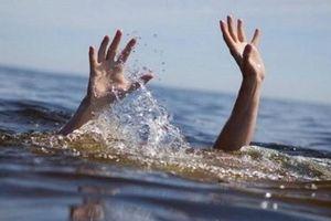 Rơi xuống suối, 3 học sinh đuối nước thương tâm