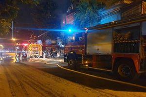 Kịp thời hướng dẫn thoát nạn và dập tắt đám cháy trong đêm