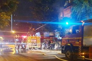 Hà Nội: Điều tra nguyên nhân vụ cháy nhà trên phố Tam Trinh