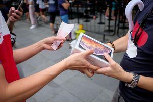 Tại sao iPhone xách tay lại có giá rẻ?