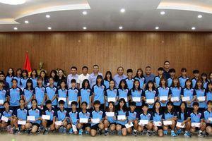 Thứ trưởng Lê Khánh Hải thăm 2 đội tuyển nữ trẻ