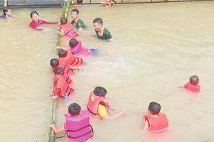 Tân Hồng: Mở lớp phổ cập bơi, chống đuối nước trẻ em