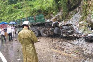 Tai nạn ở Lai Châu: Xe đầu kéo lao vào vách núi, 2 người tử vong