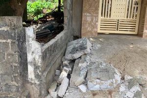 Hiện trường vụ tường đổ làm học sinh tử vong ở Nghệ An