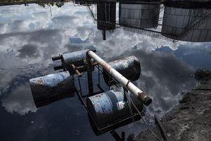 Venezuela gặp sự cố tràn dầu nghiêm trọng trong lúc khủng hoảng kinh tế