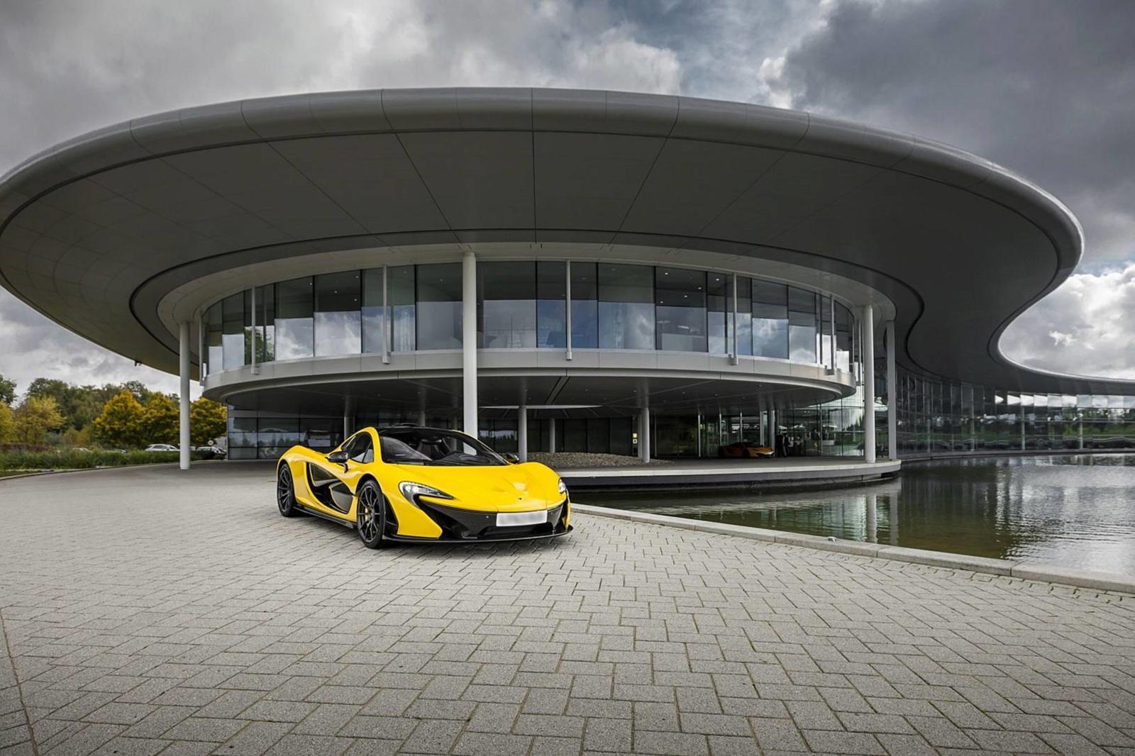 Khó khăn vì COVID-19, hãng siêu xe McLaren rao bán trụ sở chính