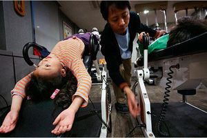 Ám ảnh chiều cao và sự đầu tư để thoát lùn của người Hàn Quốc
