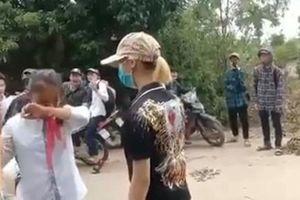 Nữ sinh lớp 7 bị 'chị đại' chặn đánh