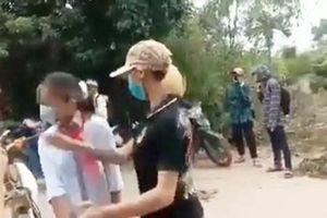 Thanh Hóa: Nữ sinh lớp 7 bị đàn chị xưng là Thảo 'đại bàng' chặn đánh
