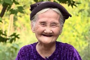 Cụ bà 84 tuổi xin thoát nghèo được vinh danh điển hình tiên tiến