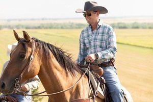 Chàng trai Mỹ về quê 'chăn bò' sau khi trúng số gần 5.000 tỷ đồng