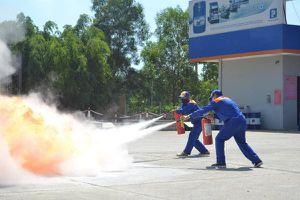 Petrolimex Quảng Ngãi: Nâng cao kỹ năng chữa cháy và cứu nạn, cứu hộ