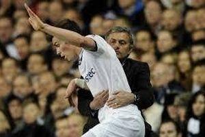 Thua Everton, Mourinho muốn đưa Bale trở lại Tottenham