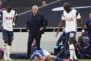 Mourinho lênh đênh cùng Tottenham