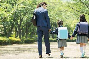 Nhật Bản: Kế hoạch đổi thời gian khai giảng gặp khó