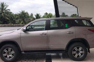 Cận cảnh Toyota Fortuner 2021 tại đại lý, sắp ra mắt thị trường Việt Nam?