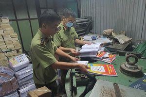 Hà Nội: Triệt phá cơ sở in gia công, thu giữ gần 60.000 cuốn sách lậu