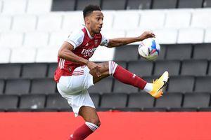 Aubameyang gia hạn hợp đồng với Arsenal