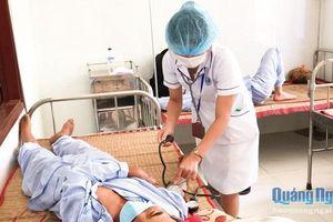 Gia tăng số ca mắc sốt xuất huyết thể nặng ở Quảng Ngãi