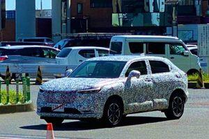 Honda HR-V thế hệ mới đang được phát triển, bị bắt gặp với vẻ ngoài ngụy trang