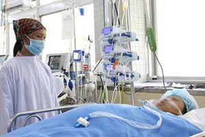 Nữ công nhân làm việc tại công trường cao tốc Mỹ Thuận bị xe lu cán trọng thương