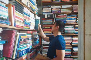 Âm thầm sách cũ