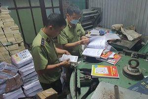 Thu giữ hàng tấn sách giáo khoa giả NXB Giáo dục Việt Nam