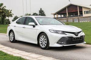 Doanh số nhóm sedan hạng D đồng loạt giảm ở tháng 8
