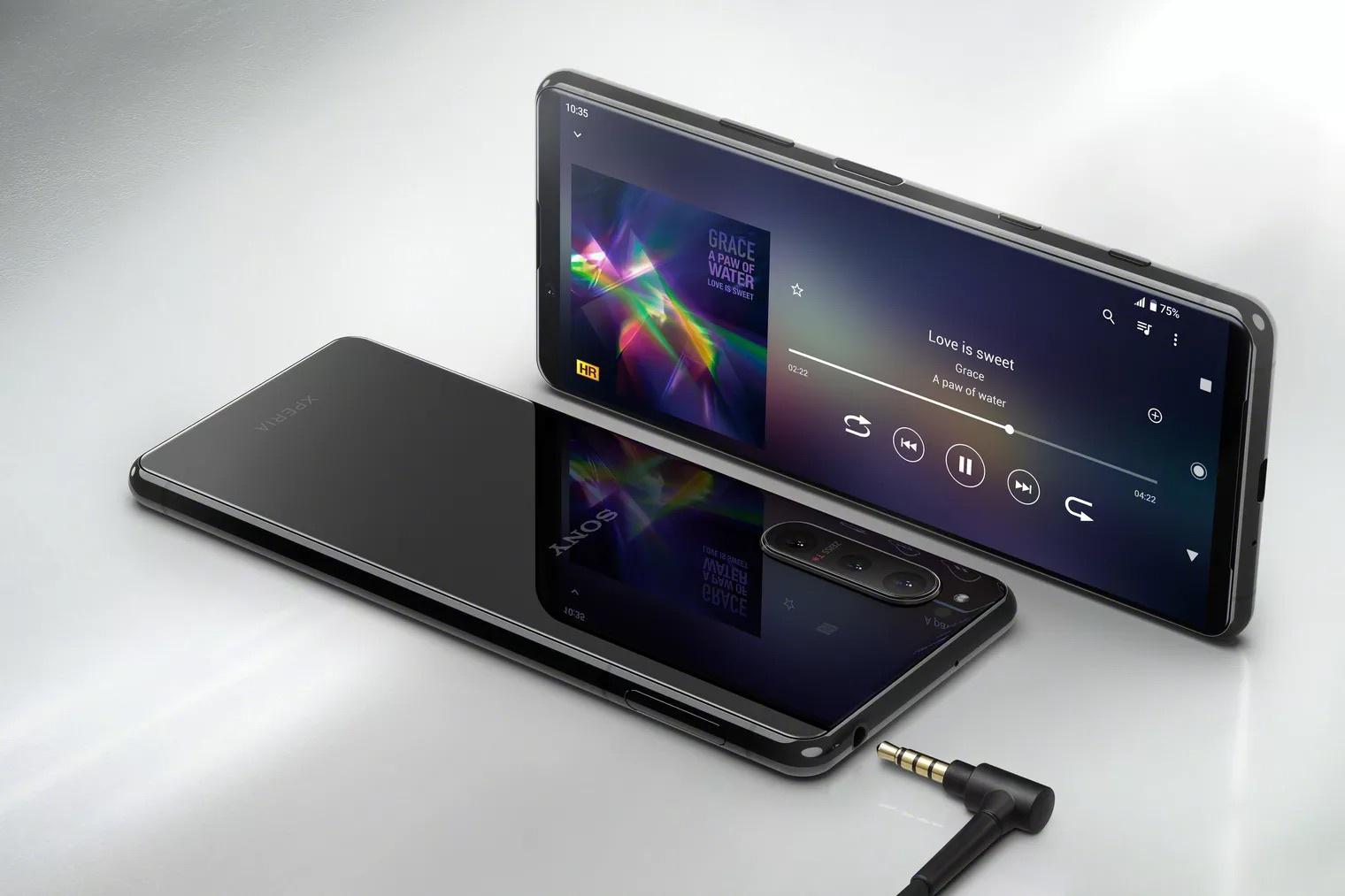Sony ra mắt Xperia 5 II giá 949 USD
