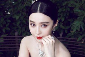 Phạm Băng Băng khoe đeo nhẫn kim cương 3,2 triệu USD