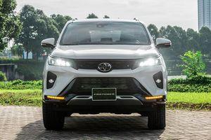 Toyota Fortuner 2021 từ 995 triệu tại Việt Nam, đấu Kia Sorento