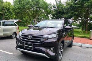 Mất thị phần vào tay đối thủ, Toyota Việt Nam hạ giá Rush