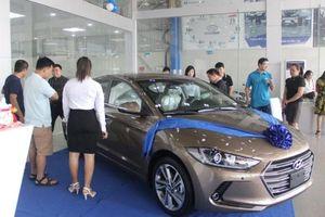 Bất chấp tháng Ngâu, thương hiệu xe Hyundai vẫn bán 'đắt như tôm tươi'