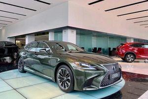 Xe hạng sang Lexus bán tại Việt Nam bị triệu hồi hàng loạt