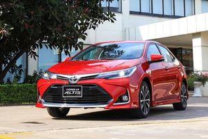 Phân khúc xe hạng C tháng 8: Toyota Corolla Altis 'phả hơi nóng' vào Hyundai Elantra