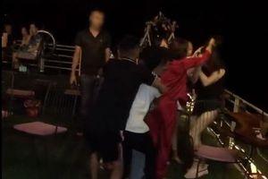 Xác minh việc cô gái bị đánh ghen hội đồng, lột đồ tại quán cà phê ở Hà Nội