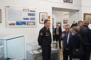 Khai mạc triển lãm 'Cam Ranh: Hợp tác quân sự Nga - Việt Nam'