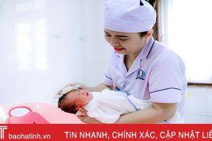 'Nét đẹp người điều dưỡng Hà Tĩnh' qua góc máy của các đồng nghiệp