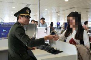 Thản nhiên dùng chứng minh thư giả hòng qua mặt an ninh sân bay