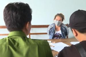 Đắk Lắk: Bắt giữ người phụ nữ giấu ma túy trong bánh trung thu