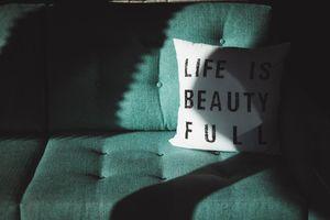 Bà cụ 91 tuổi suy ngẫm về 'Nhân gian đáng giá': Cuộc sống thực ra không khó khăn như bạn tưởng!