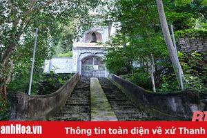 Độc đáo ngôi chùa cổ trên núi Ốc Sơn
