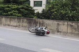 Tìm tung tích ô tô gây tai nạn trên đường vành đai 3 rồi bỏ chạy