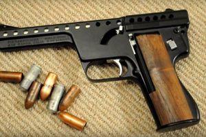Nhóm cho vay tiền bị bắt cùng 3 khẩu súng